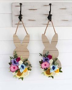 25 Pretty Easter Decor Ideas You'll Love: #23. FLORAL WOODEN RABBIT DECORATION; #easter; #eastercrafts; #easterbunny