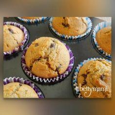 Csokidarabos muffin | Betty hobbi konyhája Muffin, Breakfast, Food, Morning Coffee, Essen, Muffins, Meals, Cupcakes, Yemek