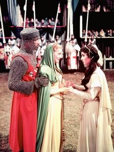size: Photo: Ivanhoe by Richard THorpe with Robert Taylor, Joan Fontaine and Elizabeth Taylor, 1952 (photo) : Artists Elizabeth Taylor, Saint Yves, Vieux Couples, British American, We Movie, Movie Costumes, Female Costumes, Japan, Actress Photos