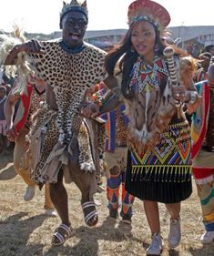 A traditional Zulu wedding Zulu Traditional Attire, African Traditional Wedding Dress, Traditional Wedding Attire, Traditional Outfits, Traditional Weddings, African Wedding Attire, African Attire, African Fashion Dresses, African Dress