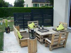 Diy Wooden Pallet Furniture Bed 19 Complete Patio Furniture Set Made From Wooden Pallets Makespace 39 Insanely Smart And Creative Diy Outdoor Pallet Furniture Designs