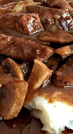 Beef Tips with Mushrooms and Gravy