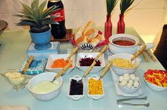 Hot dog gourmet: mesa, festa surpresa e vlog   Blog da Michelle Mayrink