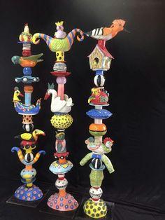 Ceramics totems in Reuma's Studio Pottery Sculpture, Sculpture Clay, Ceramic Sculptures, Ceramics Projects, Clay Projects, Garden Totems, Garden Art, Totem Pole Art, Arte Popular