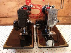 Singer Featherweight 221 Blackside and Chrome Comparison
