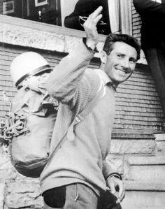 Walter Bonatti, en 1963, au retour d'une ascension.