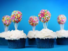 great balloon idea for the cupcakes