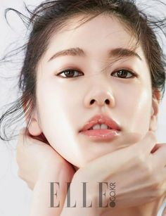 Jung So Min makes you envy her perfect complexion in 'Elle' Jung So Min, Korean Makeup, Korean Beauty, Asian Beauty, Korean Skincare, Glossy Eyes, Glass Skin, Model Face, Beauty Shoot