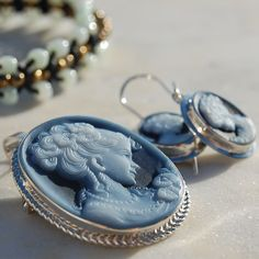 Set of agate stone cameos pendant or brooch and earrings.   #agate #stone #cameos #pendant #brooch