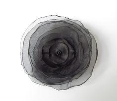 Anstecker Brosche Organza-Satin-Blüte schwarz von soschoen auf DaWanda.com