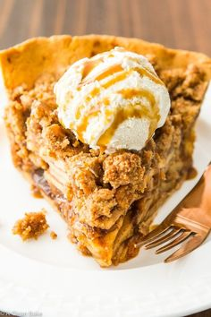 Paleo Apple Pie with Crumb Topping