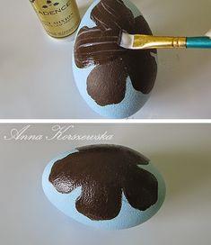 Manualnie.pl: DIY - Pisanka Gold Flower Egg Crafts, Easter Crafts, Diy And Crafts, Dragons, Faberge Eggs, Egg Art, Easter Eggs, Activities For Kids, Decoupage