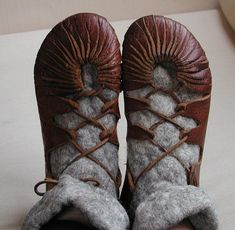 [Viking_shoes_by_huldremor.jpg]