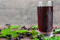 Black Currant Juice, Voss Bottle, Water Bottle, Home Canning, Black Currants, Pint Glass, Berries, Fresh, Drinks