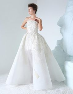 Azzi and Osta Couture Autumn/Winter Collection Source Bridal Gowns, Wedding Gowns, Wedding Bells, High Fashion Dresses, African Traditional Dresses, Couture Collection, Couture Dresses, Beautiful Gowns, Couture Fashion