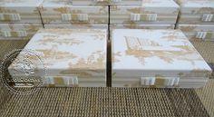 Caixas Casamento - Padrinhos (0002CAS), com Mini-terço em Fuxicos(0132LB) e Home Spray Personalizado - Tudo em Caixas