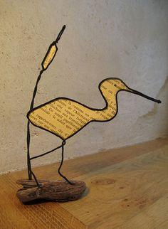 Paper Mache Sculpture, Bird Sculpture, Wire Crafts, Paper Crafts, Lighthouse Decor, Bijoux Fil Aluminium, Paper Magic, Creative Crafts, Easy Crafts