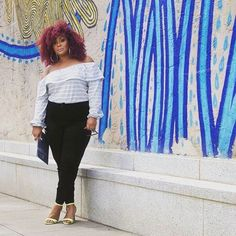 Black jeans. How many of us have them?  My latest post on @thecurvyfashionista I'm rocking my @oldnavy jeans, showing three ways to style them and sharing the digital campaign i was a part of! Woooot! . . . #goodjeansday #tcfstyle #oldnavystyle #curvyfashionistas #plussizefashion #ad #plus_isamust #bbggirls #atclstreetstyle #ownit #goldenconfidence #mystylishcurves