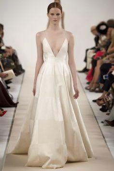 Sala Bianca 945 - Best Looks 8 http://fashionallovertheplace.blogspot.it/2014/12/valentino-sala-bianca-945-haute-couture.html
