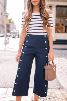 Gal Meets Glam The Wide Leg Culotte - Club Monaco top & pants, Mark Cross bag & Chanel loafer Nautical Outfits, Nautical Fashion, Classy Outfits, Casual Outfits, Fashion Pants, Fashion Outfits, Look Jean, Layering Outfits, Mode Hijab