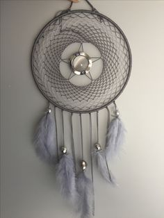 Dream Catcher Mobile, Dream Catcher Craft, Dream Catcher Tutorial, Dream Meanings, Native American Crafts, Medicine Wheel, Sun Catcher, Wall Hanger, Fabric Crafts