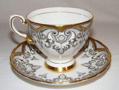 VTG-ROYAL-TUSCAN-ENGLISH-BONE-CHINA-ELEGANT-GOLD-BLACK-WHITE-TEA-CUP-SAUCER