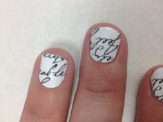 Looks good and easy! Nail polish strips from walgreens :)