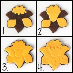 LilaLoa: Decorated Daffodil Cookies