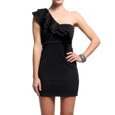 One Shoulder Dress...I so want one of these dresses