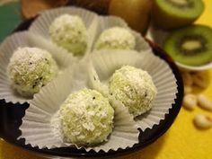 Лучшие кулинарные рецепты: Домашние «Рафаэлло» с киви и орехами
