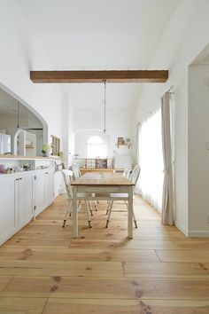 明るいLDK House Design, Loft Bed, Decor, Furniture, Bed, Japanese Interior, Home, Interior, Home Decor