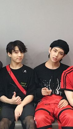 Image uploaded by (๑˃̵ᴗ˂̵). Find images and videos about kpop, bts and jungkook on We Heart It - the app to get lost in what you love. Bts Jungkook, Kim Namjoon, Seokjin, Foto Bts, Bts Photo, Taekook, Yoonmin, Jung Hoseok, K Pop