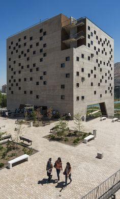Faculdade de Economia e Negócios da Universidade Diego Portales,© Fernando Guerra | FG+SG