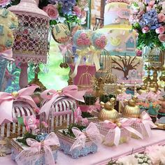 Na imagem muitas lembranças lindas por @lalapetit Butterfly Garden Party, Butterfly Baby Shower, Girl Birthday, Birthday Parties, Happy Birthday, Enchanted Forest Party, Bird Party, Spring Projects, Kid Party Favors
