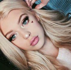 Read ❀loren gray from the story ━━ ❪ 💀 ❫ lᥲყ᥆ᥙt᥉. Redhead Girl, Brunette Girl, Grey Makeup, Hair Makeup, Loren Grau, Pretty Blonde Girls, Gray Eyes, Jolie Photo, Tips Belleza