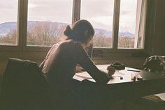 La manera que tenemos de escribir, de cómo trazamos las letras, de cómo las cerramos, incluso de la inclinación, la velocidad...Todo dice mucho de nos...