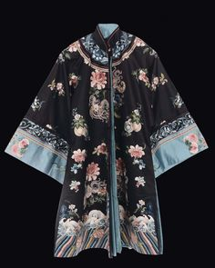 A silk dress with floral embroidery, China, Qing Dynasty, 19th century