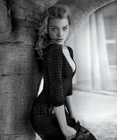 Natalie Dormer wearing Marc Jacobs Fall '15 for Michigan Avenue Magazine September 2015. Photo by Tony Duran