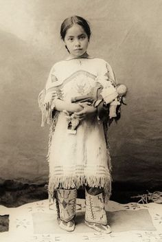 Antique Photograph   Native American Indian girl ~ Katie Roubideaux, Rosebud Sioux, (1890-1991)