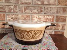 Rare Vintage Brown Onion Pyrex - Promotional 485B with lid and Lucite carrier on Etsy, $28.95