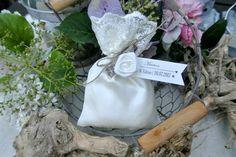 Gastgeschenke - Gastgeschenk Tischkarte Satinsäckchen Ivory - ein Designerstück…