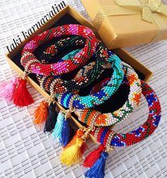 Bead Crochet Rope, Beaded Jewelry Patterns, Spiral, Needlework, Jewlery, Crochet Necklace, Weaving, Jewelry Design, Bangles