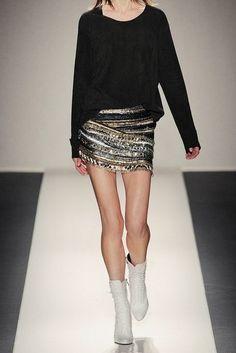 Декорируем чёрную юбку DIY / Юбки и их переделки / Модный сайт о стильной переделке одежды и интерьера