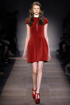 Carven | Fall 2012 Ready-to-Wear Collection | Vogue Runway
