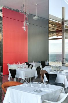 Lisboa - São Vicente #Lisboa #SaoVicente The Neighbourhood, Conference Room, Table, Furniture, Home Decor, Lisbon, The Neighborhood, Meeting Rooms, Tables