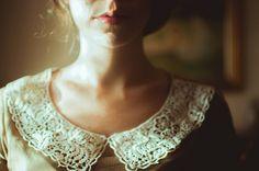 Dainty lace collar