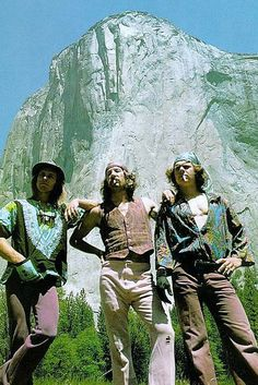 Jim Bridwell, Yosemite Climbing Pioneer, Dead at 74 all the climbing equipments in one place Climbing Wall, Rock Climbing, Yosemite Climbing, Photo Vintage, Falling From The Sky, Yosemite Valley, Best Rock, Mountaineering, Climbers