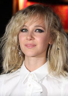 Juno Temple Photos - The premiere of 'Cracks' during the Times BFI London Film Festival at the Vue West End. - Juno Temple Photos - 1266 of 1318 Celebrity Faces, Celebrity Hairstyles, Simply Beautiful, Beautiful Women, Juno Temple, London Film Festival, Famous Girls, Pretty Men, Celebs