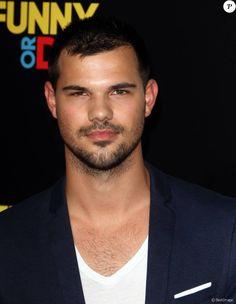 """Taylor Lautner - Avant-première du film """"American Ultra"""" au Ace Hotel à Los Angeles, le 18 août 2015."""