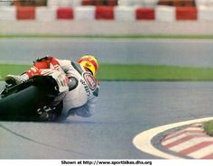 Kevin Schwantz, dragging leather.